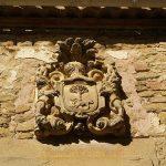Oteiza, escudo en casa solariega.